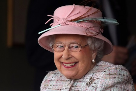 Pop anima festa da rainha Elizabeth II