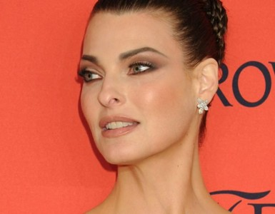 Happy birthday! Linda Evangelista completa 53 anos