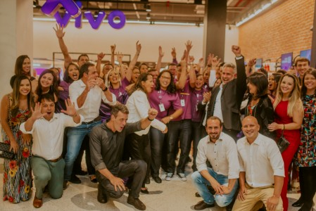 Com WiFi e coworking: ParkShopping ganha iconic store da Vivo