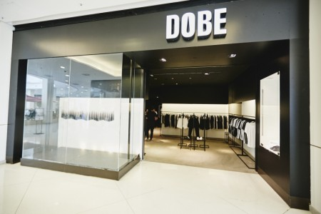 DOBE inaugura pop-up store e lança collab no Iguatemi