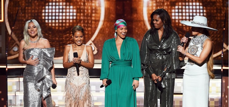 Com Michelle Obama presente, poder feminino é destaque no Grammy