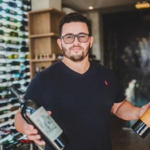 Cheers! Wine's Life inaugura showroom no Lago Sul com superadega