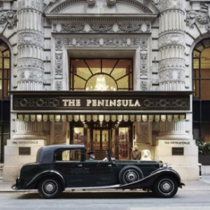 The Peninsula New York sedia exposição de arte contemporânea