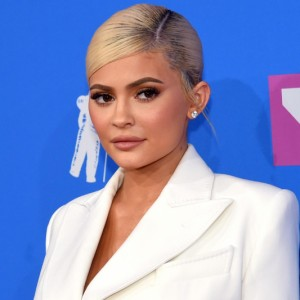 Kylie Jenner analisa possibilidade de vender a Kylie Cosmetics