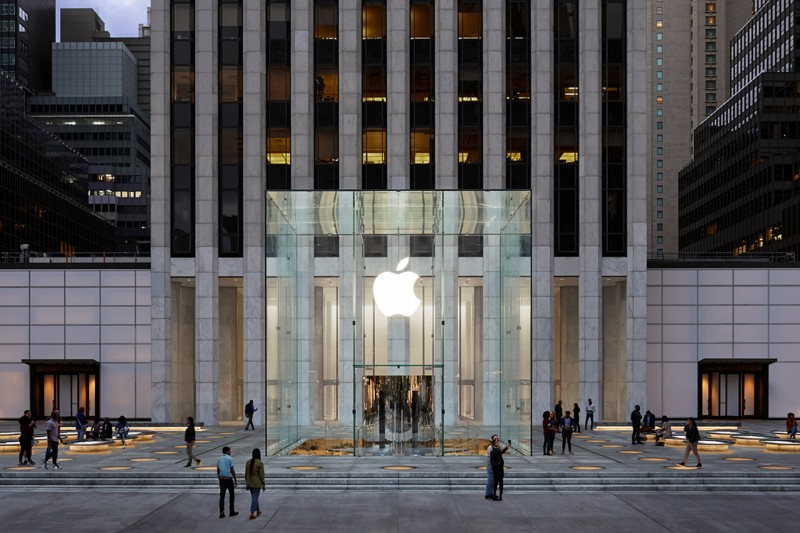 Disputa de gigantes: Apple se torna empresa mais valiosa do mundo